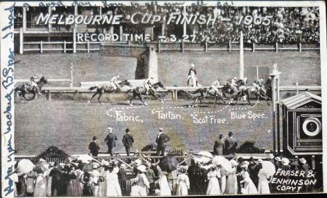 Melbourne_Cup_Finish,_Melbourne,_Vic._-_1905_(31511457514)